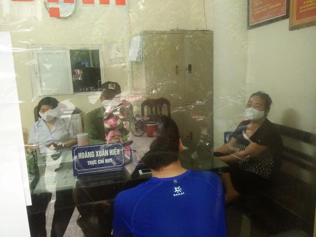 Không đeo khẩu trang khi đi tập thể dục buổi sáng, 4 người ở Hà Nội bị công an mời về trụ sở - Ảnh 1.