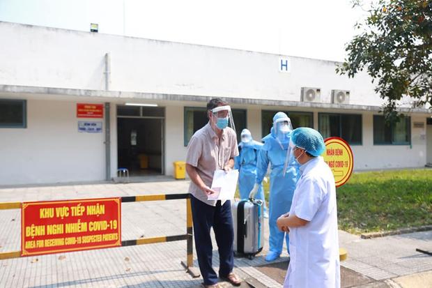 Bệnh nhân số 33 xuất viện tại Huế, Việt Nam điều trị khỏi 21 ca nhiễm Covid-19 - Ảnh 1.