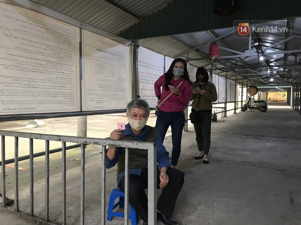 Hà Nội bắt đầu đón bệnh nhân làm xét nghiệm nhanh COVID-19, cho kết quả trong 10 phút - Ảnh 13.