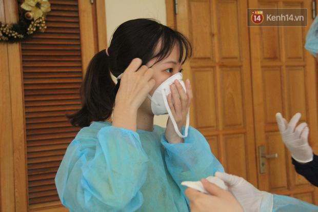 Hà Nội bắt đầu đón bệnh nhân làm xét nghiệm nhanh COVID-19, cho kết quả trong 10 phút - Ảnh 5.