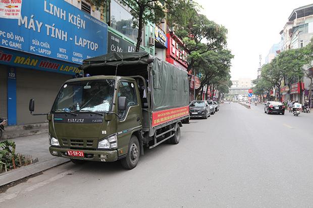 Những chuyến xe quân đội đưa đón bệnh nhân chạy thận trong cuộc chiến với dịch COVID-19 - Ảnh 7.