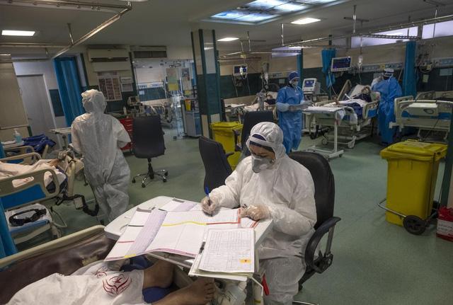 Tâm sự của bệnh nhân 61 vượt qua ải tử thần tại phòng ICU: Cảm giác kiệt sức như bị đuối nước, ranh giới sinh tử rất mong manh nhưng tôi không cho phép bản thân từ bỏ  - Ảnh 1.