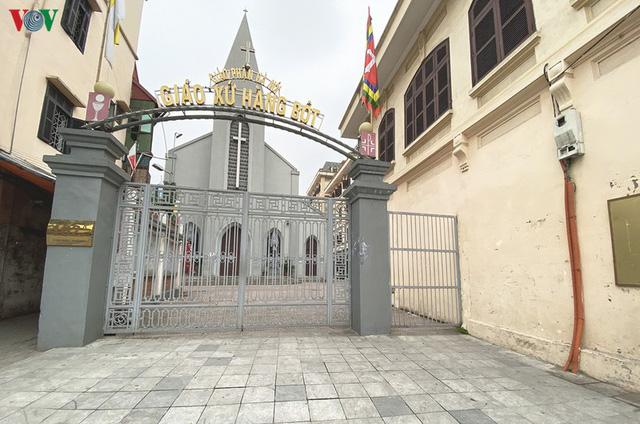 Ảnh: Nhà thờ ở Hà Nội vắng lặng dịp Lễ Phục sinh, tổ chức trực tuyến tránh Covid-19 - Ảnh 6.