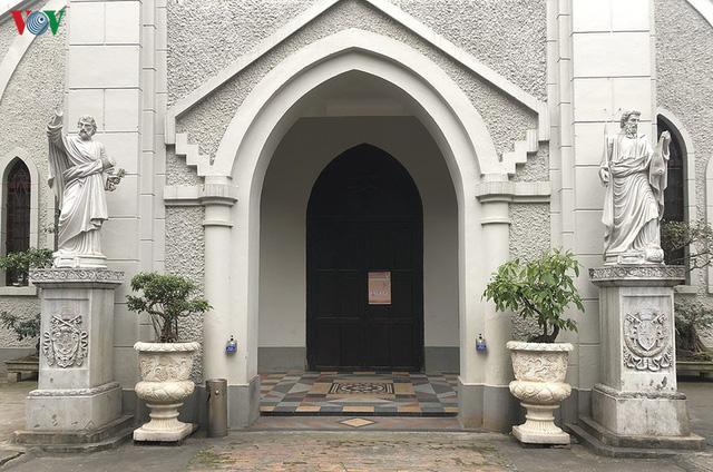 Ảnh: Nhà thờ ở Hà Nội vắng lặng dịp Lễ Phục sinh, tổ chức trực tuyến tránh Covid-19 - Ảnh 8.