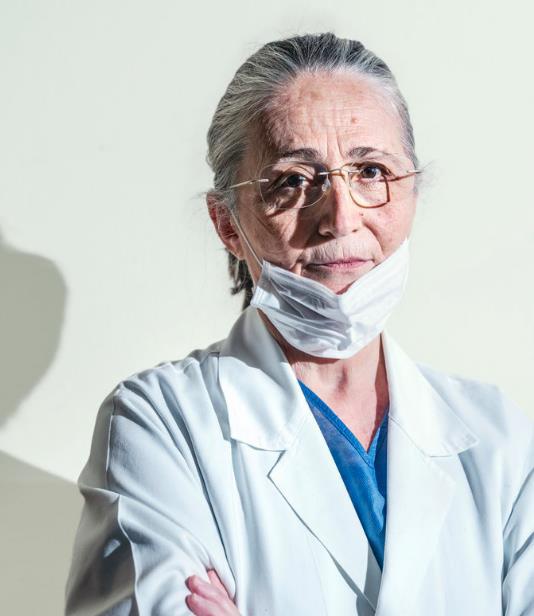 Tự sự của bác sỹ Ý giữa tâm dịch Covid-19: Chưa bao giờ sự sống lại mong manh đến thế, tôi vừa bước ra từ chiến trường!  - Ảnh 12.