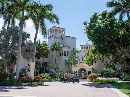Dịch vụ xét nghiệm độc quyền cho giới nhà giàu trên hòn đảo xa xỉ nhất nước Mỹ - Ảnh 1.