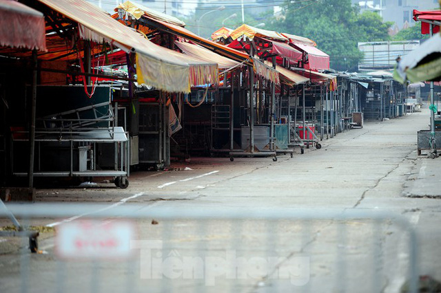 Chợ hoa lớn nhất Hà Nội đóng cửa chuyển sang bán hàng trực tuyến  - Ảnh 4.