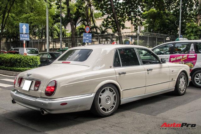 Những điều ít biết về Bentley Arnage của ông Đặng Lê Nguyên Vũ: Hàng hiếm đầu tiên Việt Nam, giá đồn đoán 21 tỷ từ nhiều năm trước  - Ảnh 2.