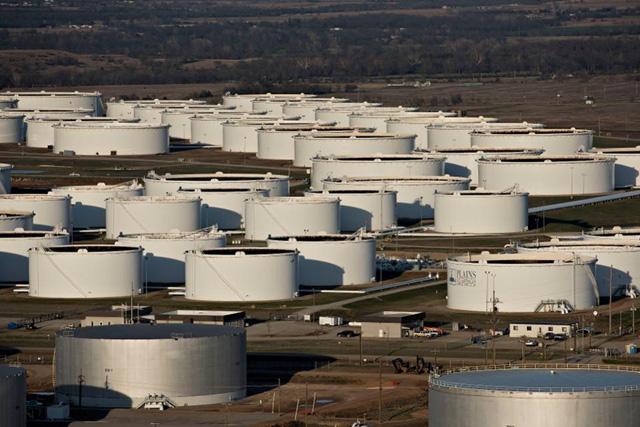 Kẻ thắng người thua' trong thị trường dầu dư cung  - Ảnh 1.