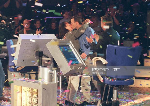 Người đàn ông đầu tiên chiến thắng chương trình Ai là triệu phú của Mỹ cách đây 20 năm hiện giờ có cuộc sống khiến nhiều người kinh ngạc - Ảnh 1.