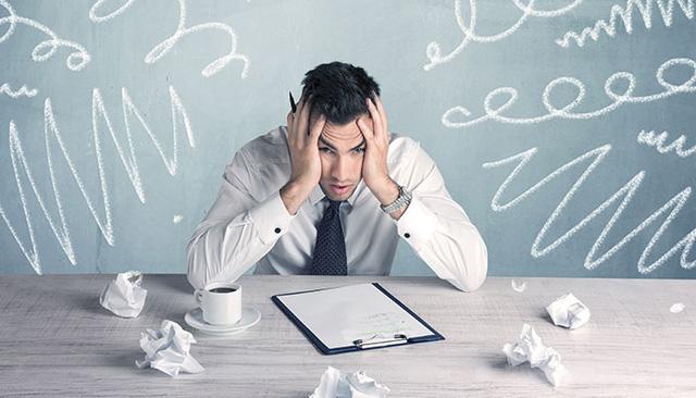 5 kiểu nhân viên luôn là cái gai trong mắt sếp, chăm chỉ đến đâu cũng khó bề thăng tiến nổi: Thời buổi khó khăn càng nên cảnh giác, tránh phạm sai lầm  - Ảnh 3.