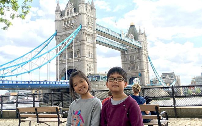 Hai học sinh Việt Nam tặng 20.000 khẩu trang, Đại sứ Anh xúc động viết thư cảm ơn