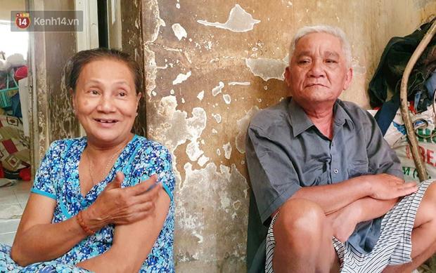 Cụ bà bật khóc khi vé số ở Sài Gòn được mở bán trở lại sau cách ly xã hội: Mừng lắm con ơi, tháng rồi ngoại ở nhà không biết làm gì cả - Ảnh 6.