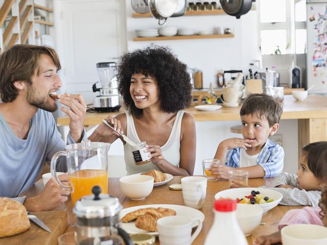 9 việc không làm trước lúc đi ngủ, sau khi ăn cơm và ngay khi thức giấc: Thực hiện tốt thì sống lâu trăm tuổi!  - Ảnh 3.