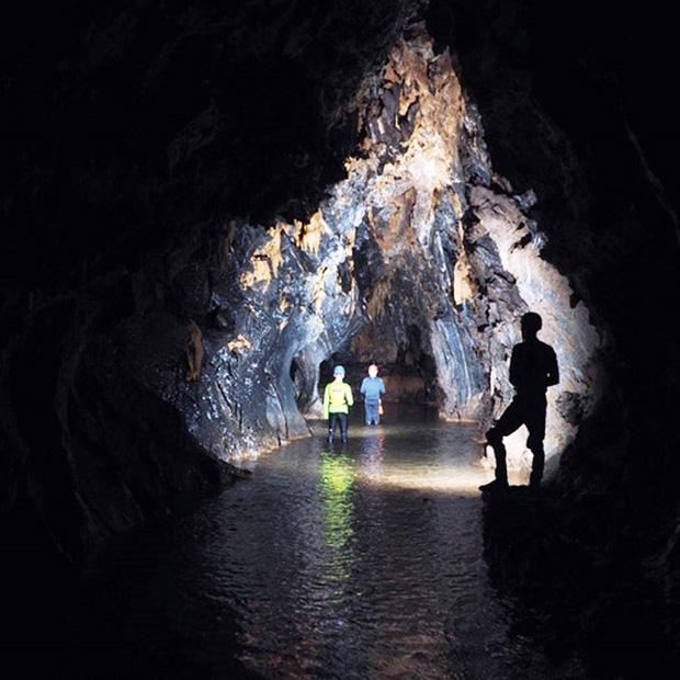Nóng: Phát hiện thêm 12 hang động mới, hoàn toàn chưa có dấu chân người ở Quảng Bình - Ảnh 1.