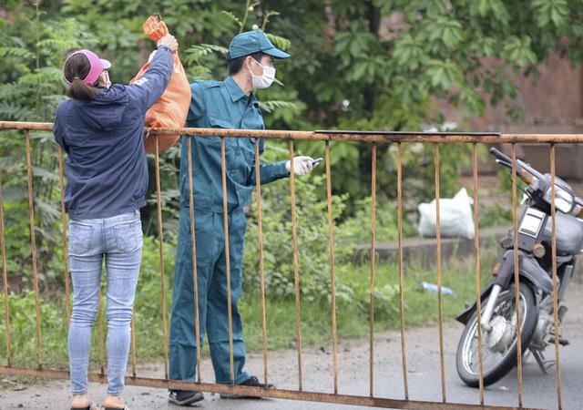 Cận cảnh thôn Hạ Lôi nơi bệnh nhân 243 mắc COVID-19 sinh sống ngày đầu cách ly  - Ảnh 2.