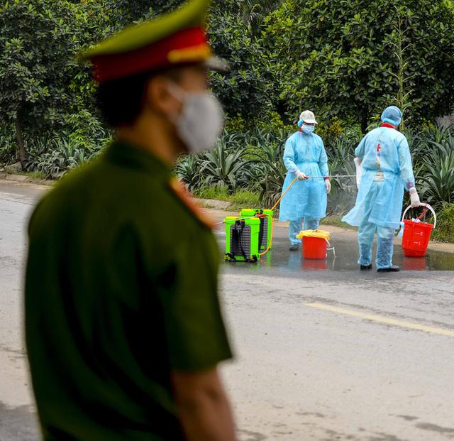 Cận cảnh thôn Hạ Lôi nơi bệnh nhân 243 mắc COVID-19 sinh sống ngày đầu cách ly  - Ảnh 11.