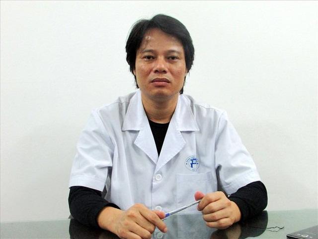 Bác sĩ bệnh viện Xanh-Pôn cảnh báo về nguy cơ ngộ độc chloroquine nếu dùng không có chỉ dẫn của bác sĩ  - Ảnh 1.