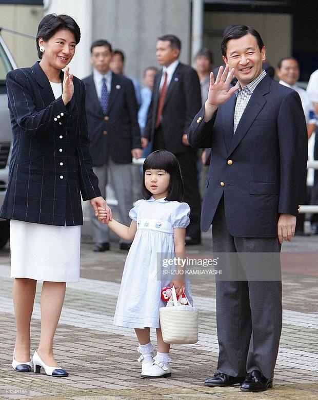 Hoàng hậu Masako - người mẹ từng vượt qua căn bệnh trầm cảm, dùng kỷ luật thép để dạy con sống như thường dân, không có đặc quyền dù là công chúa - Ảnh 11.