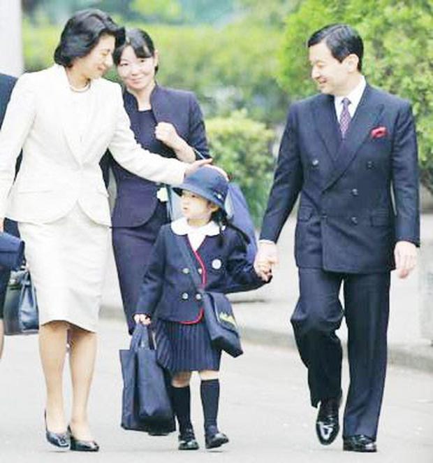 Hoàng hậu Masako - người mẹ từng vượt qua căn bệnh trầm cảm, dùng kỷ luật thép để dạy con sống như thường dân, không có đặc quyền dù là công chúa - Ảnh 6.