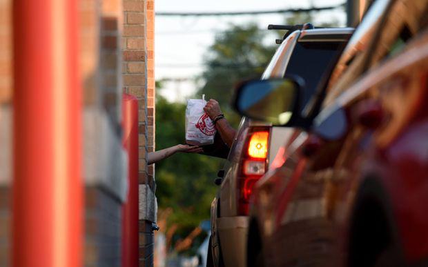 Dịch Covid-19 đẩy các ông lớn McDonald's, IHOP, Wendy bước vào cuộc đại chiến bữa sáng ra sao?