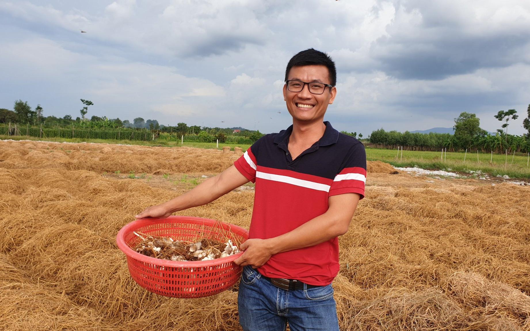 Chàng trai Quảng Ngãi 29 tuổi bỏ học làm giàu, vươn lên từ quá khứ khổ cực