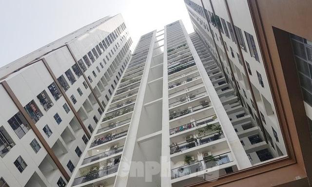Cận cảnh khu chung cư bị đề nghị thanh tra vì làm mất đường đi ở Hà Nội  - Ảnh 12.