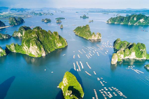 Ngoài các điểm tham quan miễn phí, Quảng Ninh còn vô vàn địa danh tuyệt đẹp không đi thì cực phí: Muốn biển có biển, muốn núi có núi!  - Ảnh 2.