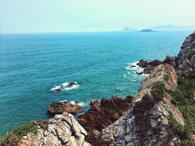 Ngoài các điểm tham quan miễn phí, Quảng Ninh còn vô vàn địa danh tuyệt đẹp không đi thì cực phí: Muốn biển có biển, muốn núi có núi!  - Ảnh 17.