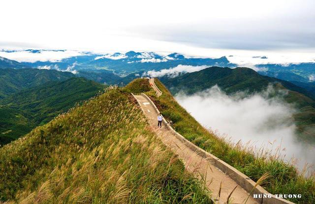 Ngoài các điểm tham quan miễn phí, Quảng Ninh còn vô vàn địa danh tuyệt đẹp không đi thì cực phí: Muốn biển có biển, muốn núi có núi!  - Ảnh 25.