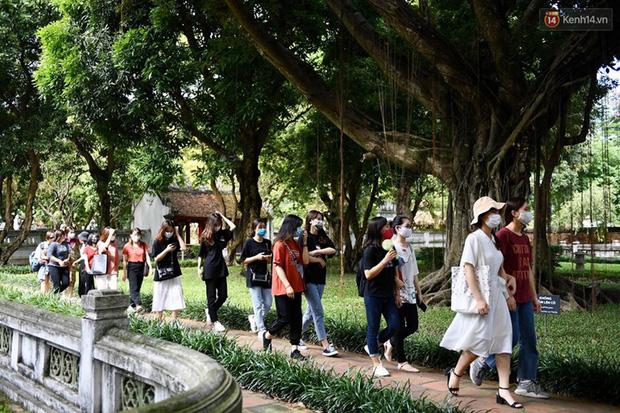 Các khu di tích, điểm tham quan tại Hà Nội mở cửa trở lại - Ảnh 4.