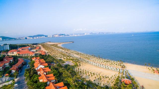 Ngoài các điểm tham quan miễn phí, Quảng Ninh còn vô vàn địa danh tuyệt đẹp không đi thì cực phí: Muốn biển có biển, muốn núi có núi!  - Ảnh 9.