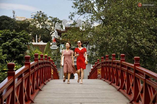 Các khu di tích, điểm tham quan tại Hà Nội mở cửa trở lại - Ảnh 10.