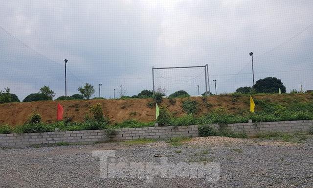 Cận cảnh biệt thự, nhà vườn trái phép mọc trên đồi ở Ba Vì  - Ảnh 8.