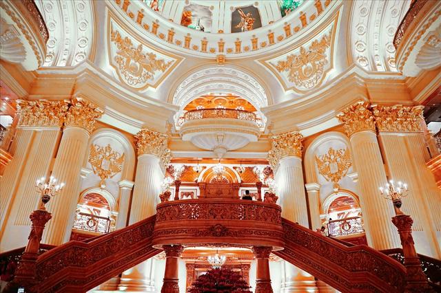 Chiêm ngưỡng lâu đài mạ vàng gây choáng của đại gia Ninh Bình - Ảnh 7.