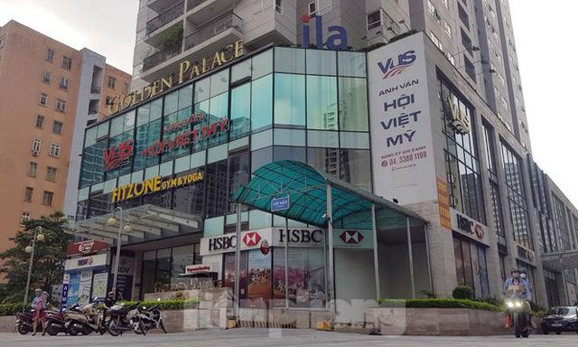 Cận cảnh khu đất công làm bãi xe biến hình thành cao ốc ở Hà Nội  - Ảnh 2.