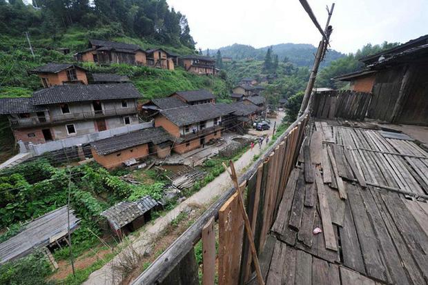 Bí ẩn đến nay vẫn chưa có lời giải đáp: Ngôi làng nằm trên núi không một con muỗi nào dám bén mảng đến suốt 100 năm qua - Ảnh 1.