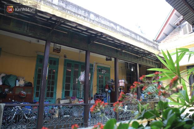 Ngắm ngôi biệt thự 800m2 của đại gia giàu nhất phố cổ Hà Nội một thời, từng xuất hiện trên nhiều bộ phim nổi tiếng - Ảnh 6.