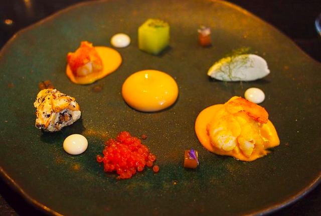 """Thử dùng bữa ở 4 nhà hàng đạt sao Michelin và cái kết: Các món ăn vừa đẹp vừa ngon đến """"vô thực"""", nhưng giá thì đắt như lên trời - Ảnh 23."""