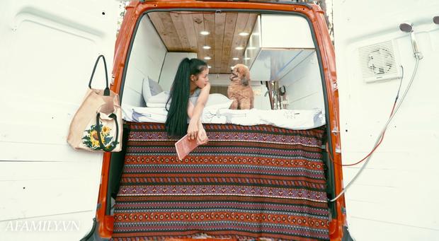 Đôi vợ chồng bỏ 120 triệu đồng mua ô tô cũ về làm thành ngôi nhà di động với đầy đủ bếp núc, phòng ngủ rồi chở con đi du lịch khắp Việt Nam! - Ảnh 10.