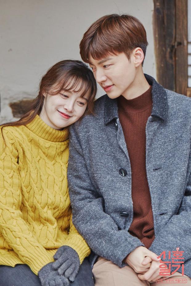 Sống độc thân đến già, kết hôn muộn, hôn nhân không sinh con,... là những cách sống mà giới trẻ Hàn Quốc đang hướng đến: Nguyên nhân vì sao? - Ảnh 1.