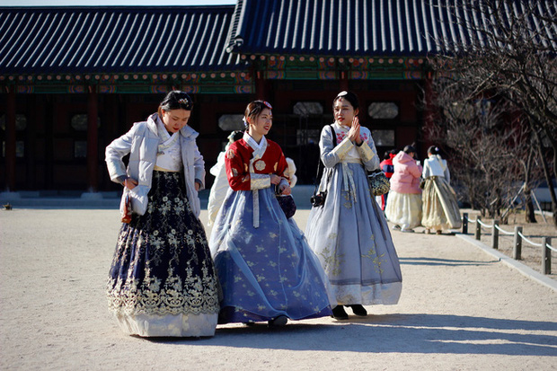 Sống độc thân đến già, kết hôn muộn, hôn nhân không sinh con,... là những cách sống mà giới trẻ Hàn Quốc đang hướng đến: Nguyên nhân vì sao? - Ảnh 3.