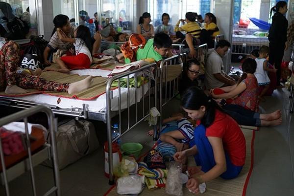 Xóa giường bệnh dịch vụ: Để bất công không còn trong bệnh viện công  - Ảnh 1.