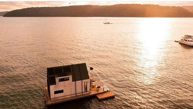 Ngôi nhà nhỏ gọn nổi trên mặt nước, sử dụng năng lượng từ mặt trời nhưng có giá thuê 30 triệu/đêm  - Ảnh 7.