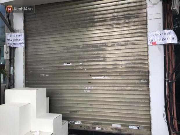 Phố kinh doanh sầm uất tại Hà Nội đồng loạt đóng cửa treo biển sang nhượng, cho thuê cửa hàng do ảnh hưởng bởi dịch COVID-19  - Ảnh 12.