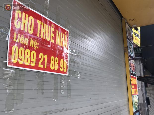 Phố kinh doanh sầm uất tại Hà Nội đồng loạt đóng cửa treo biển sang nhượng, cho thuê cửa hàng do ảnh hưởng bởi dịch COVID-19  - Ảnh 9.