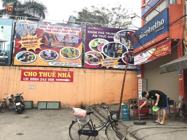 Phố kinh doanh sầm uất tại Hà Nội đồng loạt đóng cửa treo biển sang nhượng, cho thuê cửa hàng do ảnh hưởng bởi dịch COVID-19  - Ảnh 10.