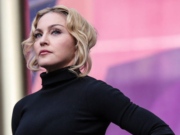 Showbiz thế giới đón nhận tin nóng: Madonna xác nhận nhiễm COVID-19, hé lộ lịch trình cụ thể, đóng góp 25 tỷ chống dịch - Ảnh 3.