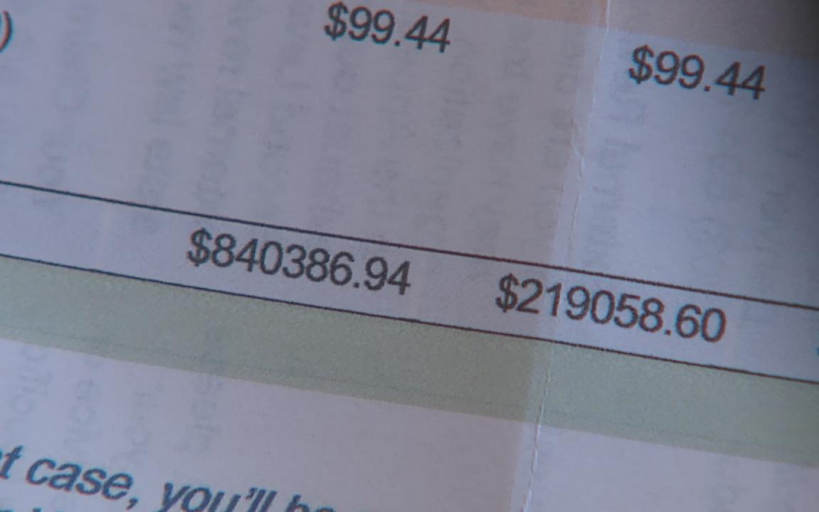 Chưa kịp vui vì mới ra viện, bệnh nhân Covid-19 sốc khi nhận hóa đơn hơn 840.000 USD