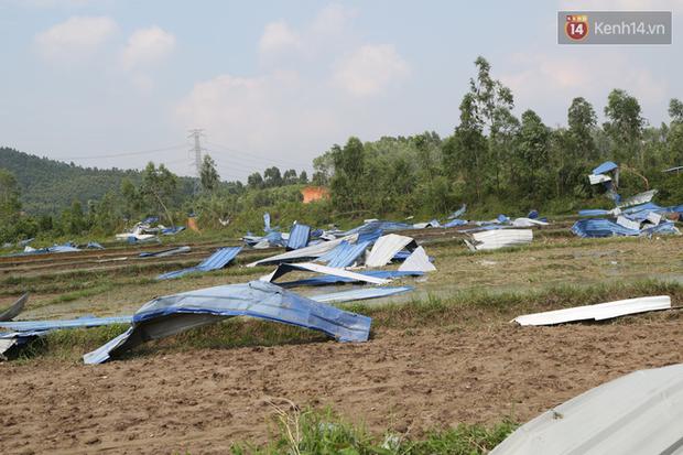 """Tang thương bao trùm nhà các nạn nhân vụ lốc xoáy tại Vĩnh Phúc: """"Tôi đang chuẩn bị nấu cơm thì con trai đi học về nói công ty của mẹ sập rồi"""" - Ảnh 5."""
